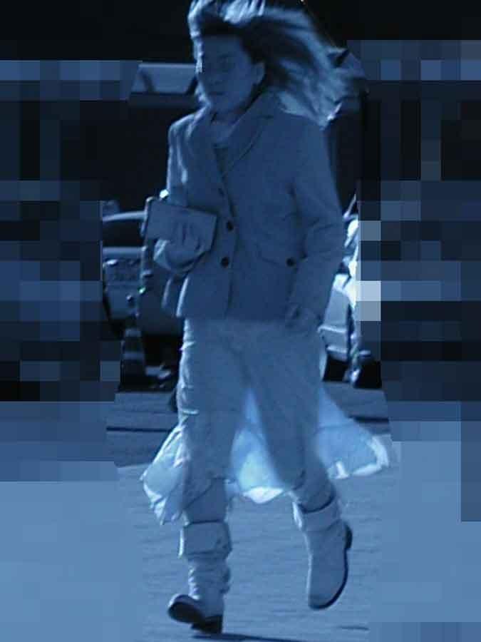 【赤外線エロ画像】赤外線カメラの前では隠し通せない街角の透け下着www 03