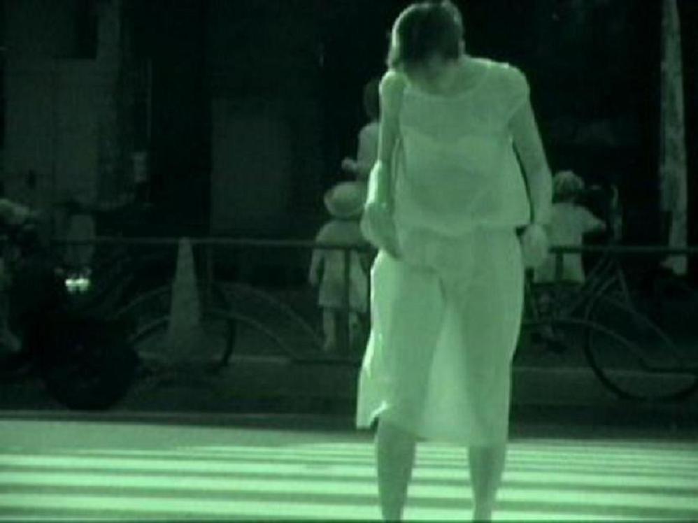 【赤外線エロ画像】赤外線カメラの前では隠し通せない街角の透け下着www 04