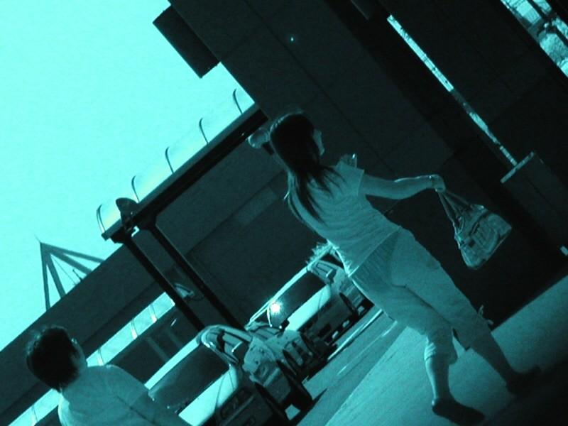 【赤外線エロ画像】赤外線カメラの前では隠し通せない街角の透け下着www 13