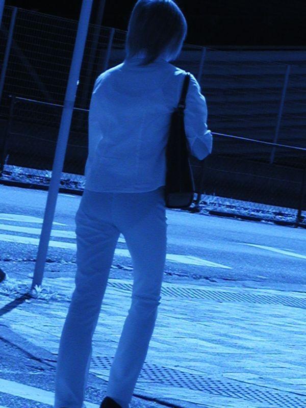 【赤外線エロ画像】赤外線カメラの前では隠し通せない街角の透け下着www 14