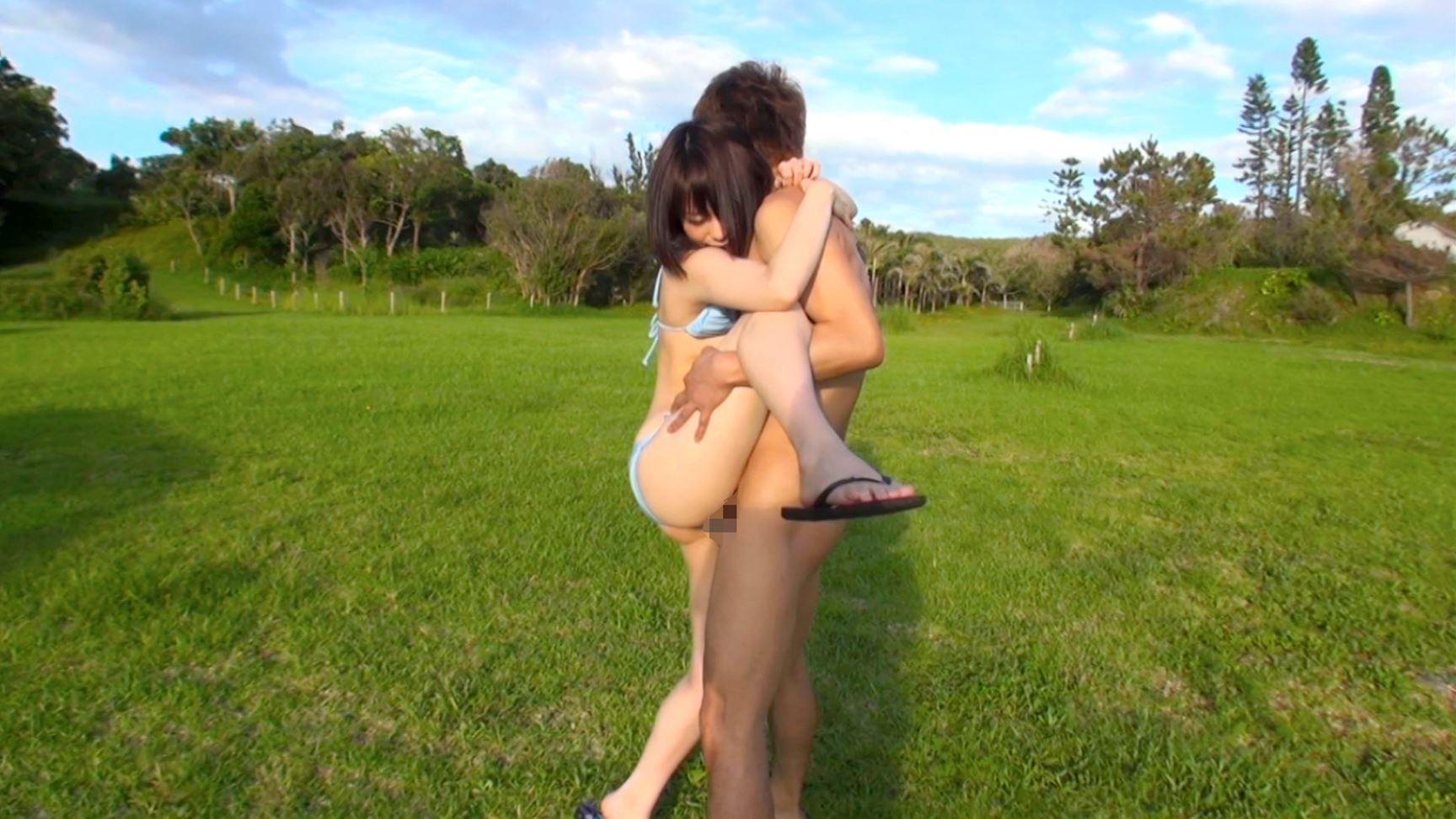 【性交エロ画像】まず片脚を抱えて…バック以外でも可能な立位セックスwww 10