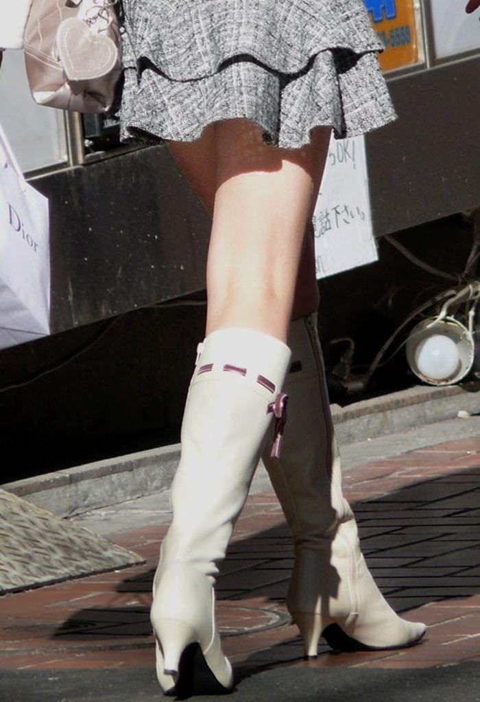 【美脚エロ画像】ブーツで絶対領域!冬でも堪能させてくれる街の美脚www 05
