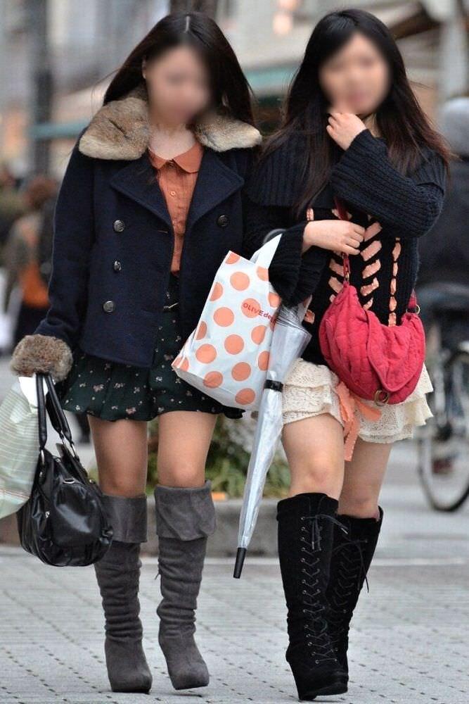【美脚エロ画像】ブーツで絶対領域!冬でも堪能させてくれる街の美脚www 11