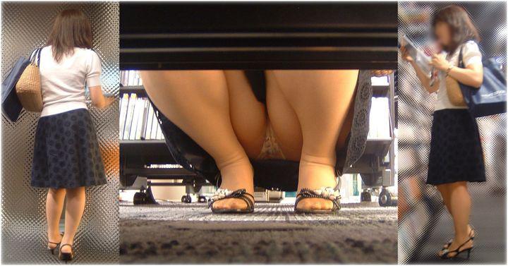 【パンチラエロ画像】肉眼よりカメラに頼るべきw店内の棚下からパンツ狙い撃ち! 02
