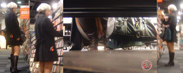 【パンチラエロ画像】肉眼よりカメラに頼るべきw店内の棚下からパンツ狙い撃ち! 10
