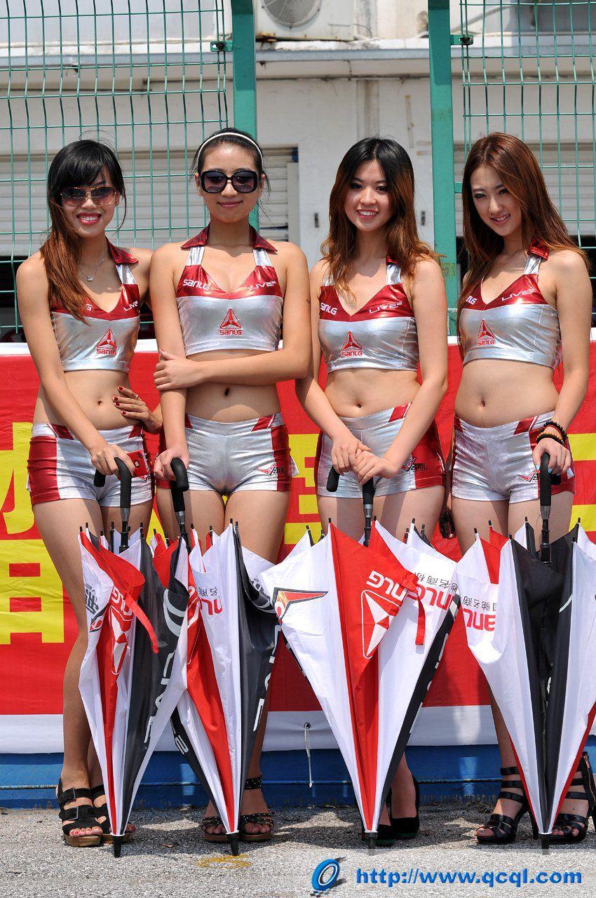 【キャンギャルエロ画像】入れ過ぎた気合が股間に…中国キャンギャルのマンスジwww 04