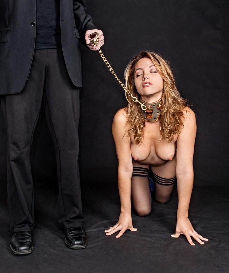 【SMエロ画像】尻尾があれば振ってそうw首輪に繋がれたMペットたちwww 03