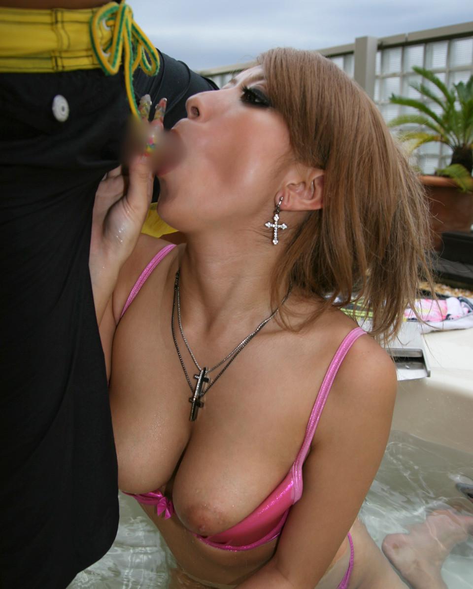 【フェラチオエロ画像】舐めるより咥える事が重要!これぞ口淫なジュポフェラwww 14