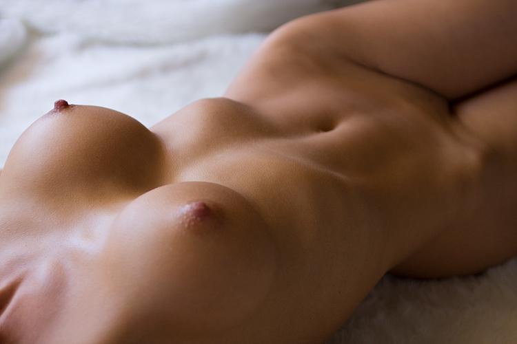 【股間エロ画像】この盛り上がりは侮れないw名器の証なモリマン土手www 13