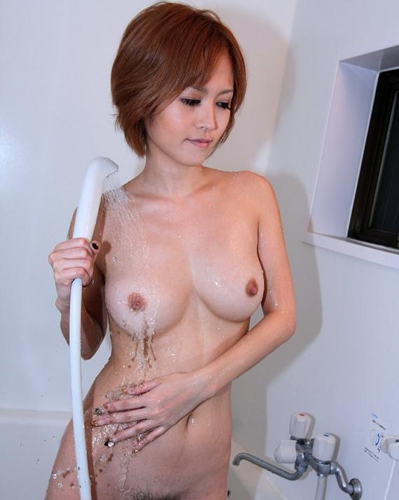 【入浴エロ画像】水圧強めてイタズラしてみたいwシャワー中の全裸お姉さんwww 12