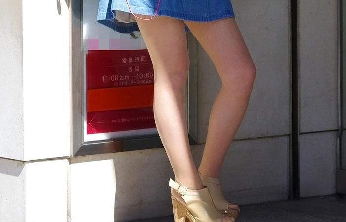 【美脚エロ画像】太いから太ももなんですw夢中で見ちゃう街のミニスカ下半身www 001