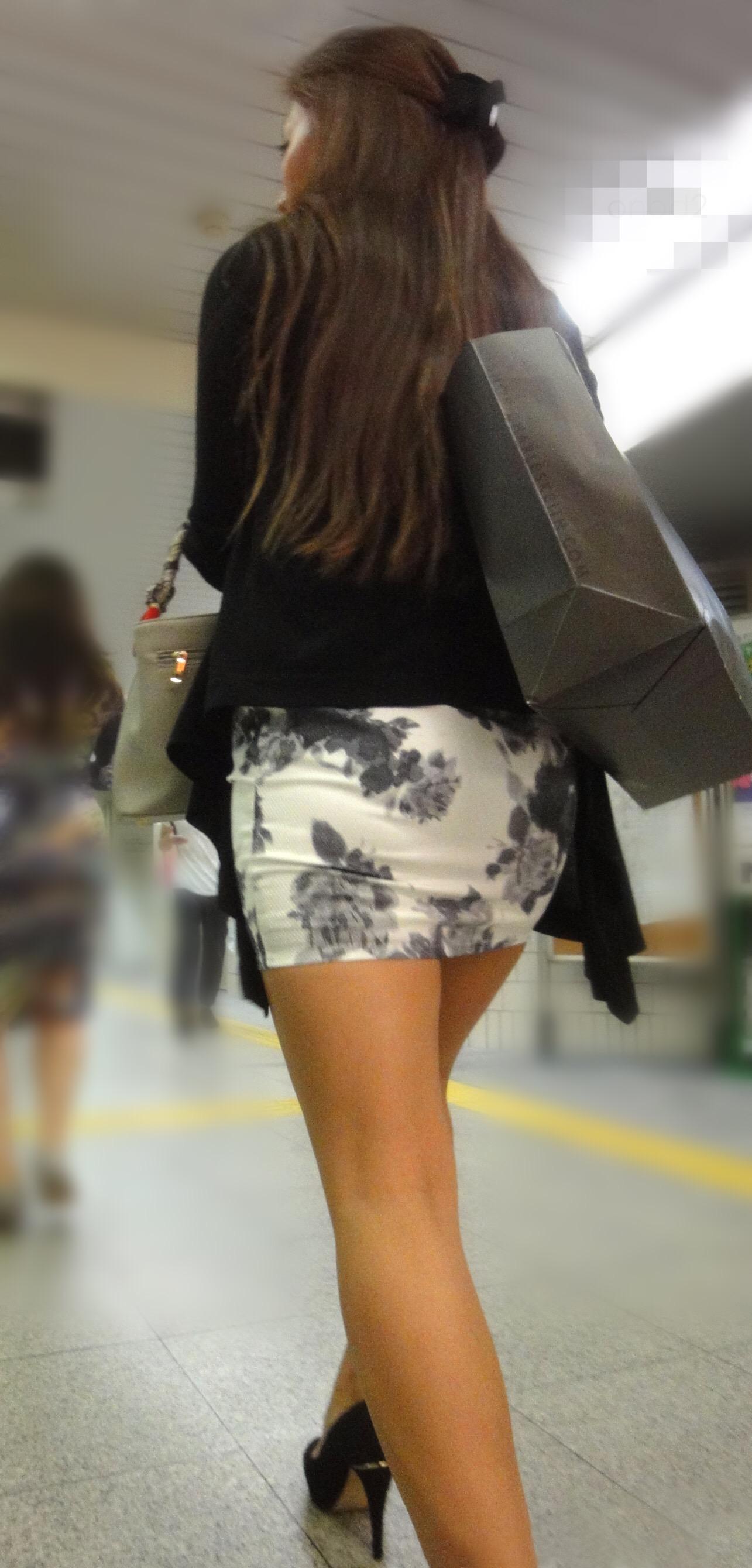 【美脚エロ画像】太いから太ももなんですw夢中で見ちゃう街のミニスカ下半身www 08