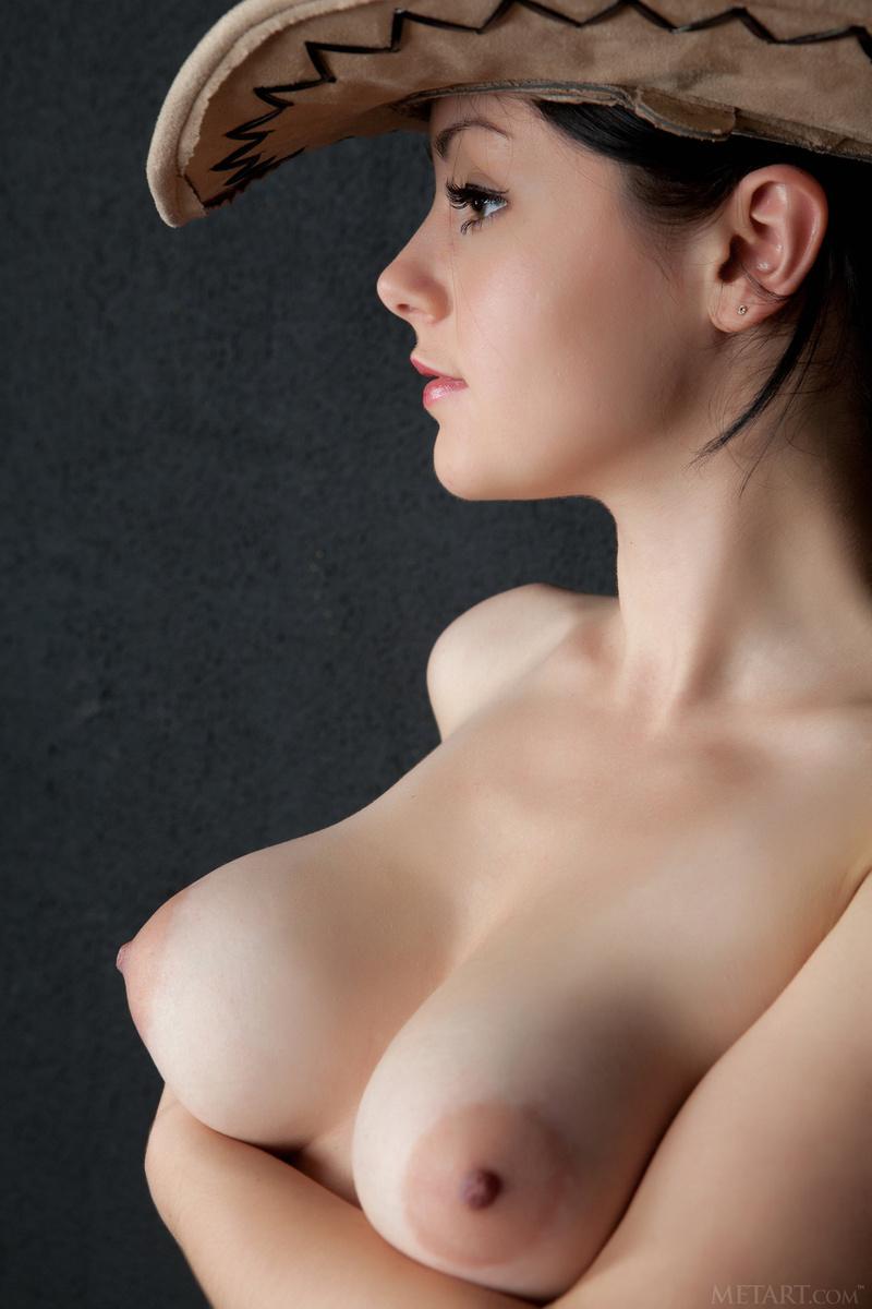 【美乳エロ画像】綺麗だから揉んで歪ませるべき!海外の絶品美乳おっぱいwww 13