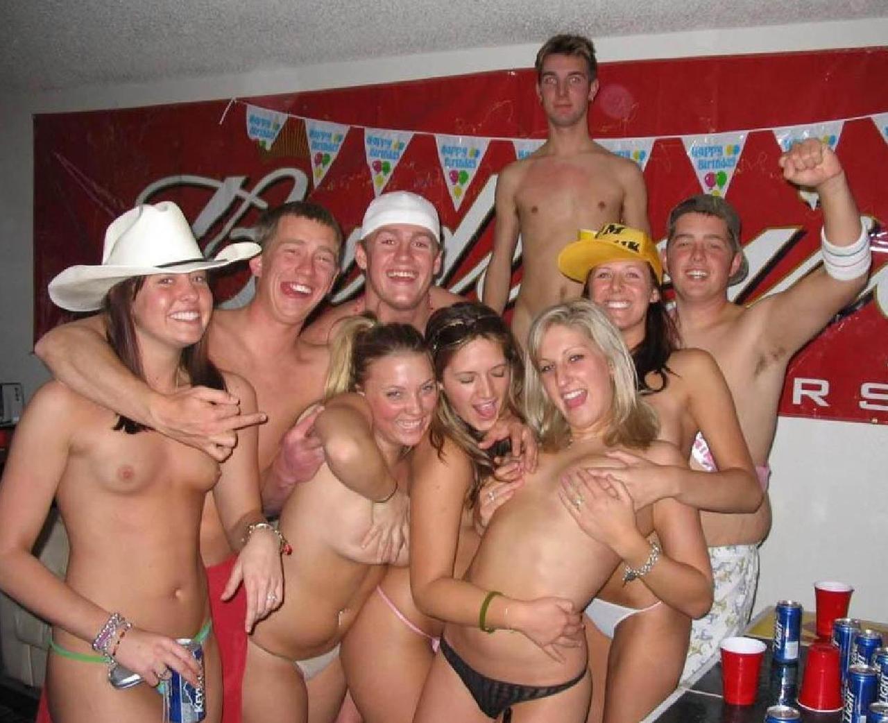 Фото вечеринок голых, Порно фото на вечеринке 8 фотография
